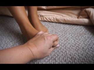 FEET - NYLON - PANTYHOSE - I