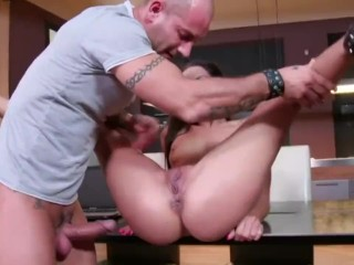 She squirts when fucking by her hard
