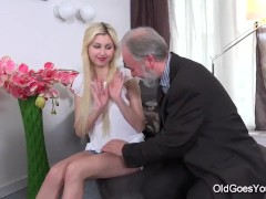 Old Goes Young – Ellen Jess cute young blonde