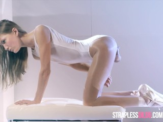 Ballerina Mia Reese's Cock Really Cums