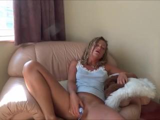Masturbating for Isabelle