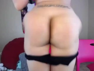 Light Skinned Ebony Shakes & Plays With Her Ass