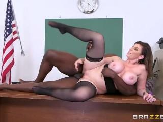 Brazzers - Milf Sara Jay loves BBC