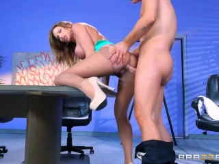 Juelz Ventura gets some office dick - Brazzers
