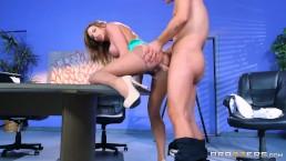 Brazzers - Juelz Ventura gets some office dick