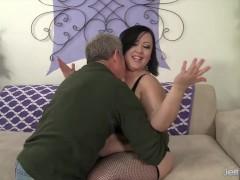 Sexy and hot plumper Bunny de la Cruz gets fucked
