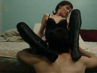 I Make Him Lick and Taste My Pussy