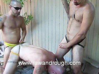 Sucking shaved pissers pictures male