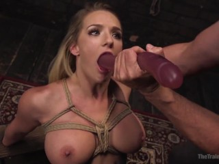 Making herself cum on webcam