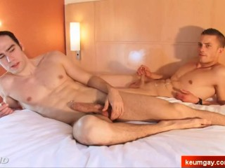 2 nice innocent str8 guys serviced his big cock by a guy in spite of them!