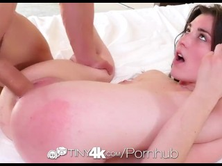 Tiny4K - Jenna Reid beats the heat with a cum shower