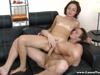 Casual Teen Sex - Coed tries fling site fucking