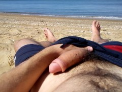 Solo male cumming on the beach