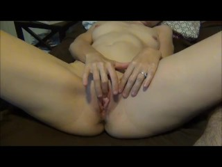 Cougar Rubs Pussy