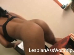 Kelsey Obsession Feasts on Yasmin Love's Dirty Butthole