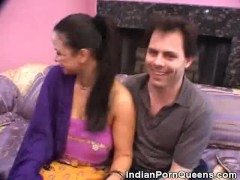 Lusty Blowjobs From This Indian Honey