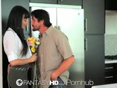FantasyHD – Guy fucks big breasted hottie Anissa Kate in the kitchen