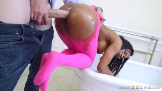 Brazzers - Sexy ebony teen Kiki Minaj takes white dick  ass booty leggings ebony black brazzers bathroom pounded young ass-fuck wet oil anal big-dick teenager yogapants