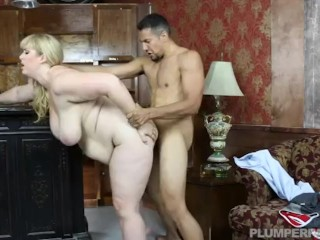 Busty Blonde MILF Lila Lovely