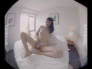 Amateur YanksVR Girl Marina Masturbates with a Hitachi in 3D VR