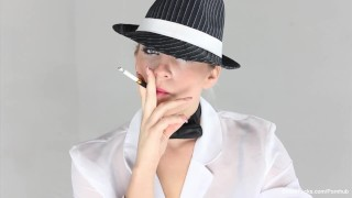 Smoking tease with blonde beauty Dahlia Sky