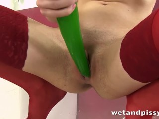 Teen girl will impress you with her nasty peeing fetish