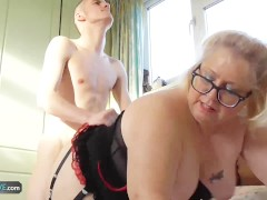 AgedLove Tenant is paying rent to mature with his huge dick