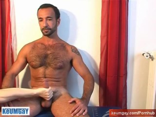 My sexy neighbour guy get serviced by a guy!