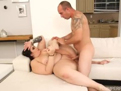 Sexy Busty Babe Curvy Quinn Helps Hubby Get Hard