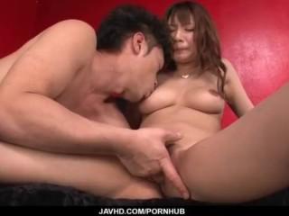 Natsuki Shino gets a bick dong to crack her wet cherry