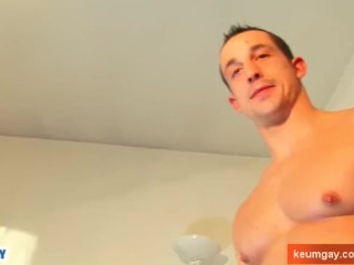 Str8 fellows serviced by a gay guy !