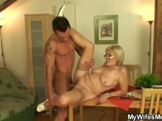 i just fucked my wife s old mom HD
