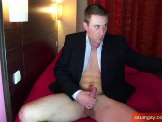 A real str8 banker serviced by guys in spite of him!