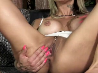 PJGIRLS Klarisa Leone extreme pussy stretching, self-fisting & special gyno