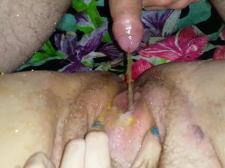 piss on open pussy