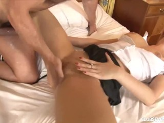 Schoolgirl gets fucked and cummed