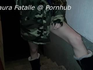 Got2Pee Standing Pee On The Street - Laura Fatalle