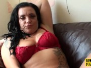 Masturbating uk skank toying her wet pussy
