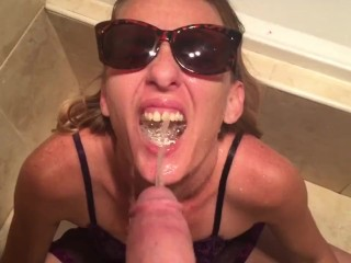 Piss drinking..lick it up