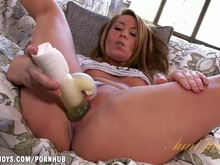 Lexi Leigh toys her little pussy with glee