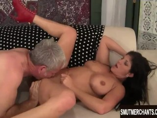 Brunette MILF fucked and cum in mouth