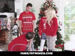 FamilyStrokes – Step-Sis fucked me during family Christmas pictures