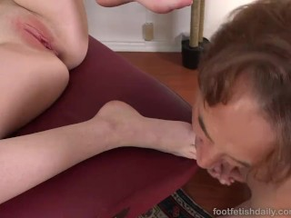 Karlie Brooks Loves Her Red Toes Sucked Before Getting Fucked
