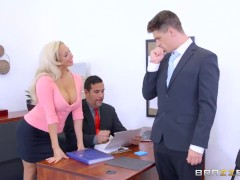 Brazzers – Dirty blonde mild Olivia Fox gets fucked on the desk