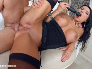 Mature MILF hottie Ania Kinski in hardcore MILFthing scene