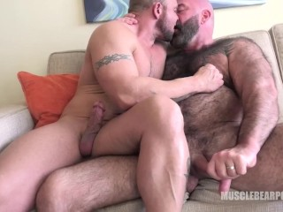 Bears kiss and cum