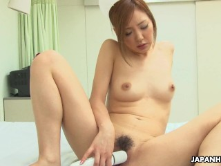 Hospital bed is enough for her to toy fuck