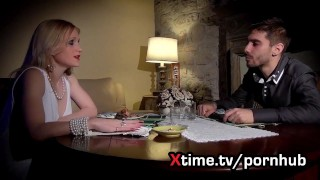 Porno italiano. il patrigno e la giovane figliastra perversa