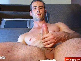 Sebastien, A innocent straight delivery guy serviced his big cock by a guy!