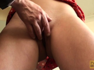Fingerfucked english slut dickriding maledom